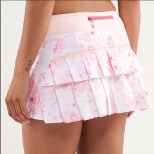 Lululemon 8 Pace Setter Skirt Pink White Floral